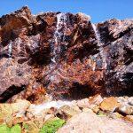 Vista angular de caída de agua en A Mixirica de O Rostro