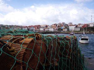 fotos nasas apiladas en el puerto de Fisterra