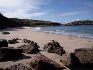 En Lires tenemos esta playa de arena blanca