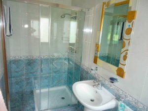 limpieza en ducha